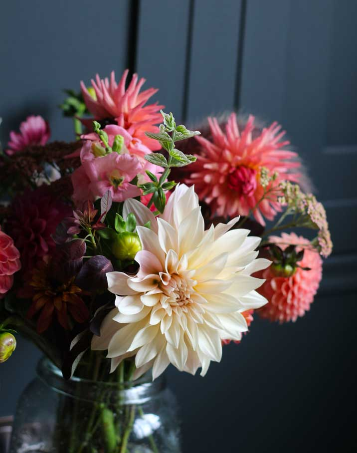 hand-tied-bouquet